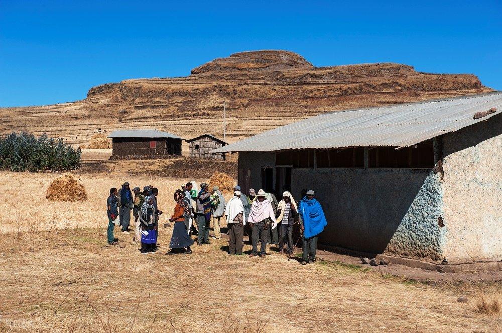 Erwachsenenbildung in dem Dorf Kumdingay im Projektgebiet Hagere Mariam