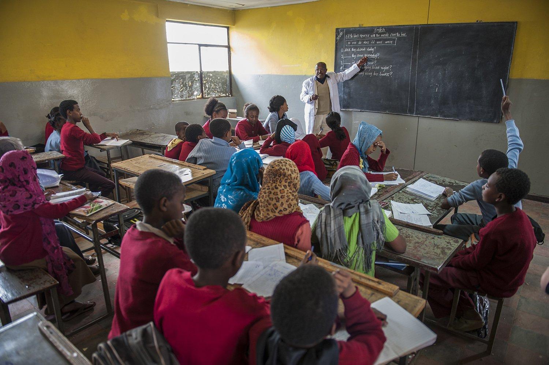 Schüler im Unterricht der Abebech Gobena-Schule | Menschen für Menschen Schweiz