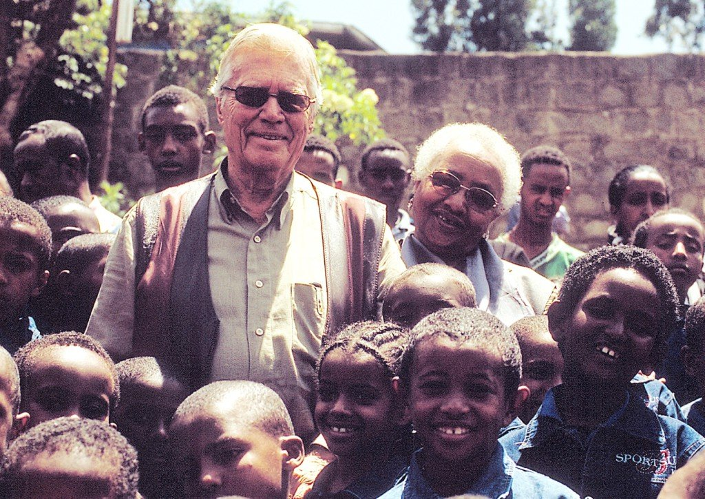 Karlheinz Böhm zu Besuch bei Abebech Gobena Fotograf: Jürgen Wacker Die Verwendung ist für redaktionelle Zwecke honorarfrei. Bitte Fotovermerk: Menschen für Menschen