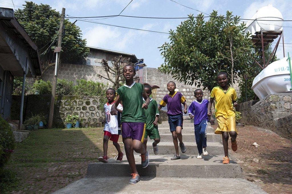 Kinderheim von AGOHELMA -Hailegebriel Gobena, 13, lebt im Agohelma-Kinderheim Er ist ein Findelkind. Weil der Name des Vaters nicht bekannt ist, trägt er den Namen der Heim-Gründerin.