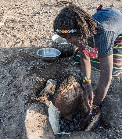 Interview mit Muhammed Hassan, 45, Nomade im Gebiet Gegana Burteli im Distrikt Mille. -Asia Muhammed, 15, älteste Tochter des Ehepaars Fatuma Ali und Muhammed Hassan