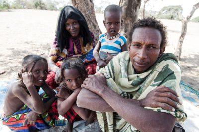 Salo Mujale lebt mit seiner Ehefrau Baari Nefia und ihren Kindern in Subuli.