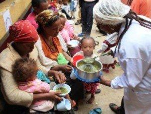 Nahrung für die schwächsten Kinder der Stadt