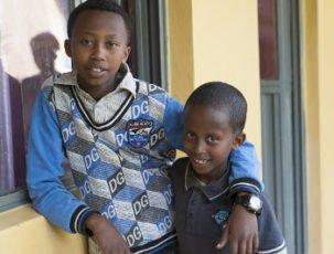 Brüder im Waisenheim