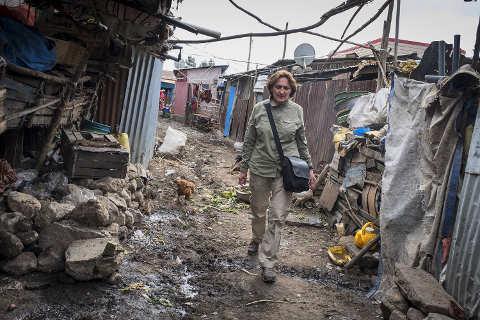 Familien in Slums: MfM-Geschäftsführerin Josefine Kamm