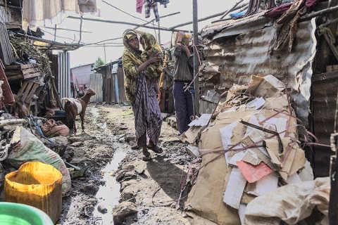 Familien in Slums von Debre Berhan