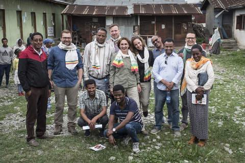 Teamfoto der Stiftung Menschen für Menschen