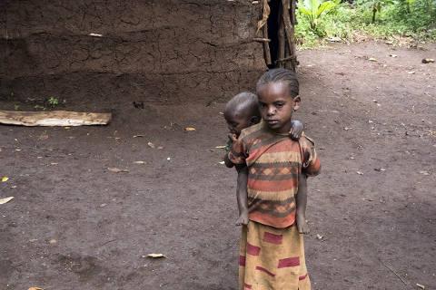 Arme Bauernkinder in Abaya