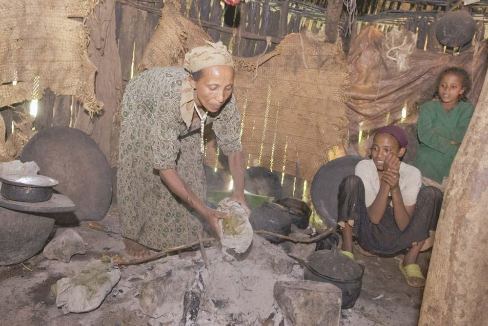 Aus Ensete: Kotscho-Brot beim backen