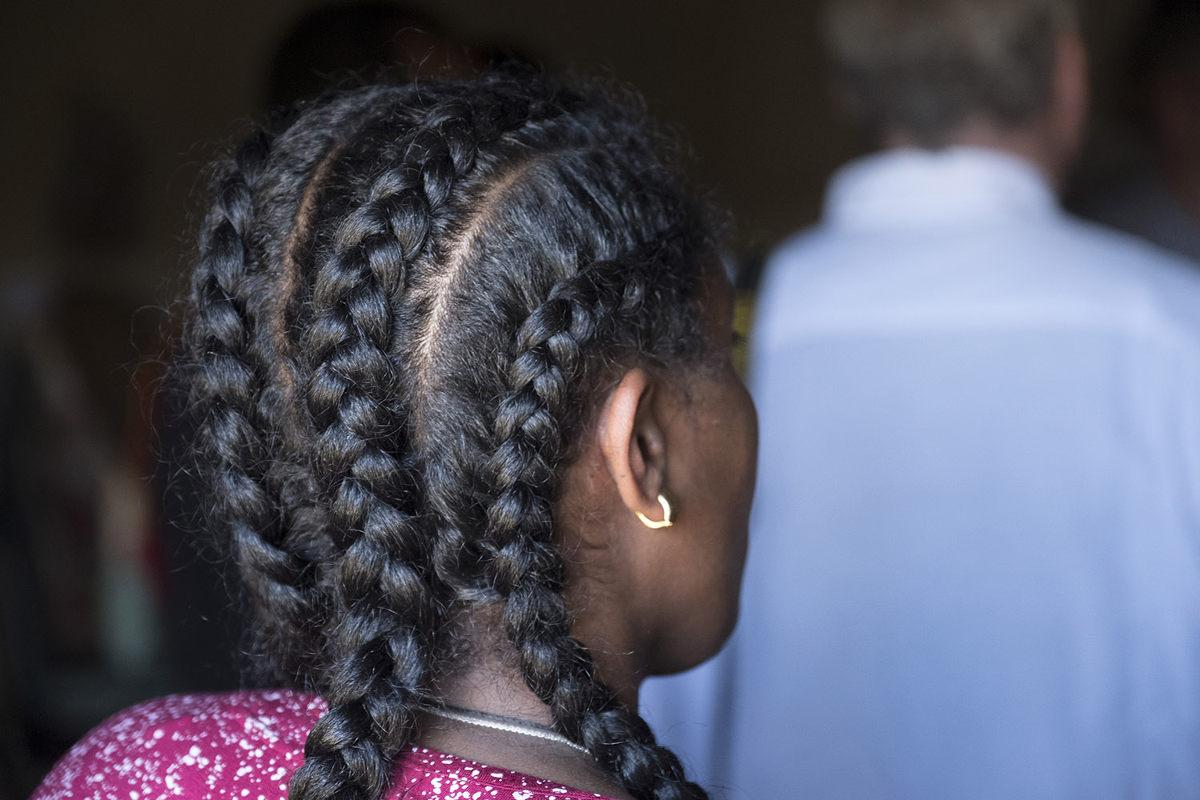 Mädchen mit geflochtenem Haar