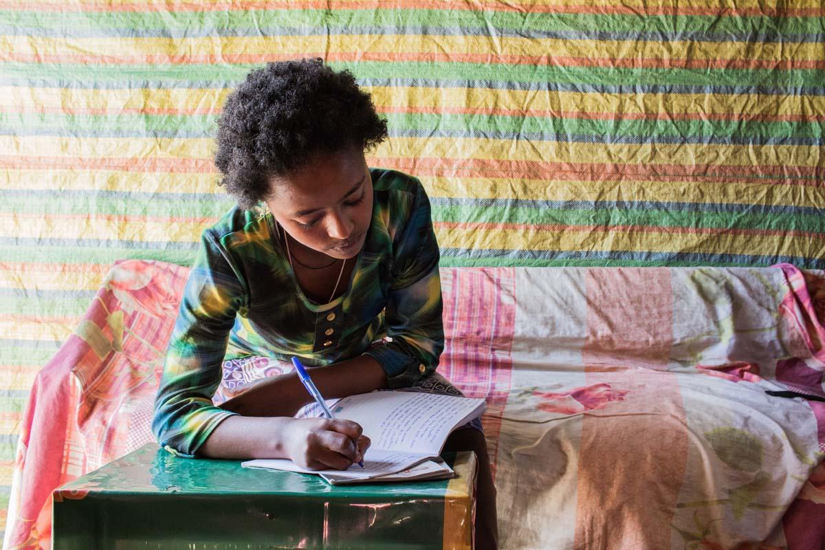Im Tagebuch schreibt Yerus ihre Gedanken und Gefühle auf.