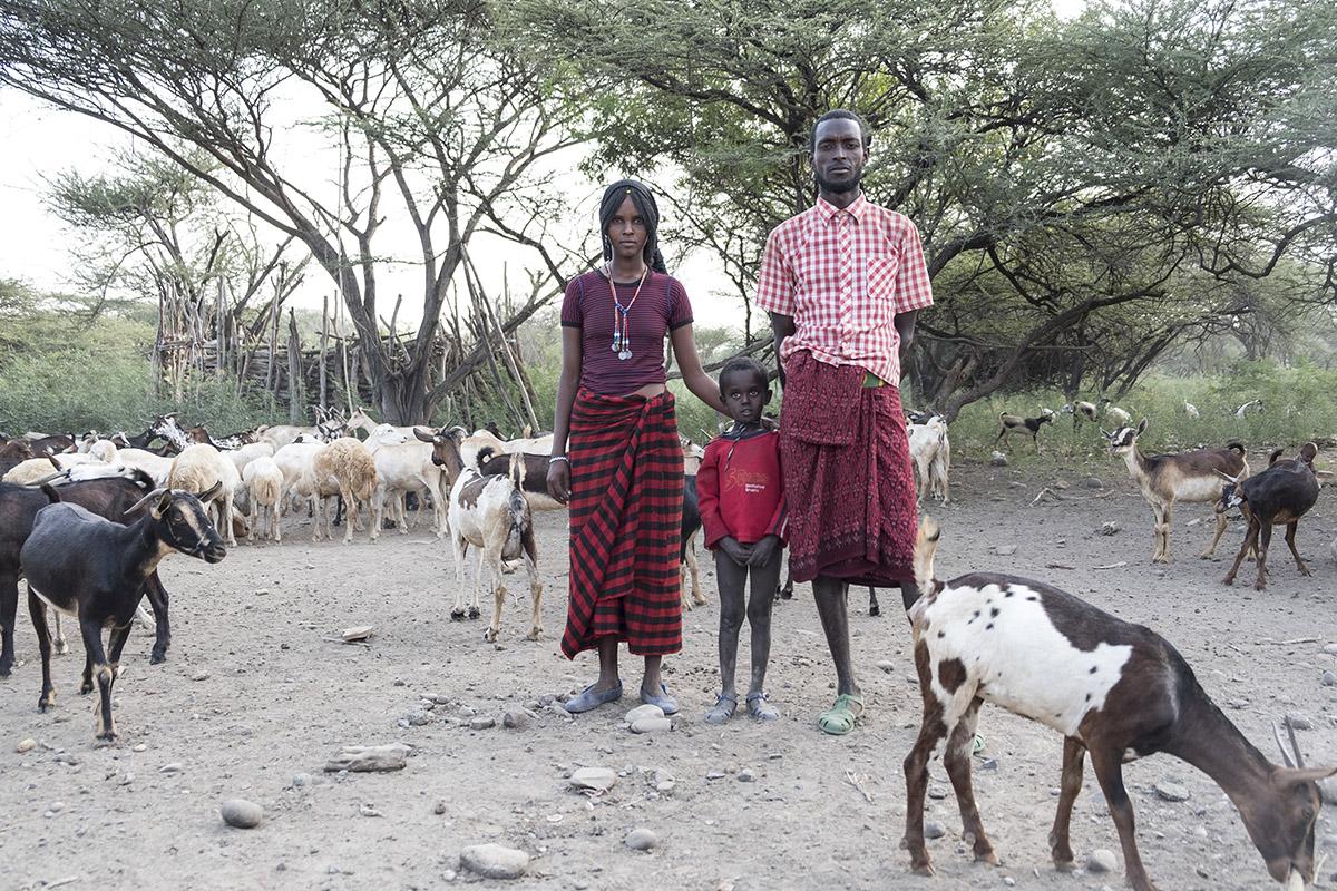 Afar-Familie mit Ziegenherde