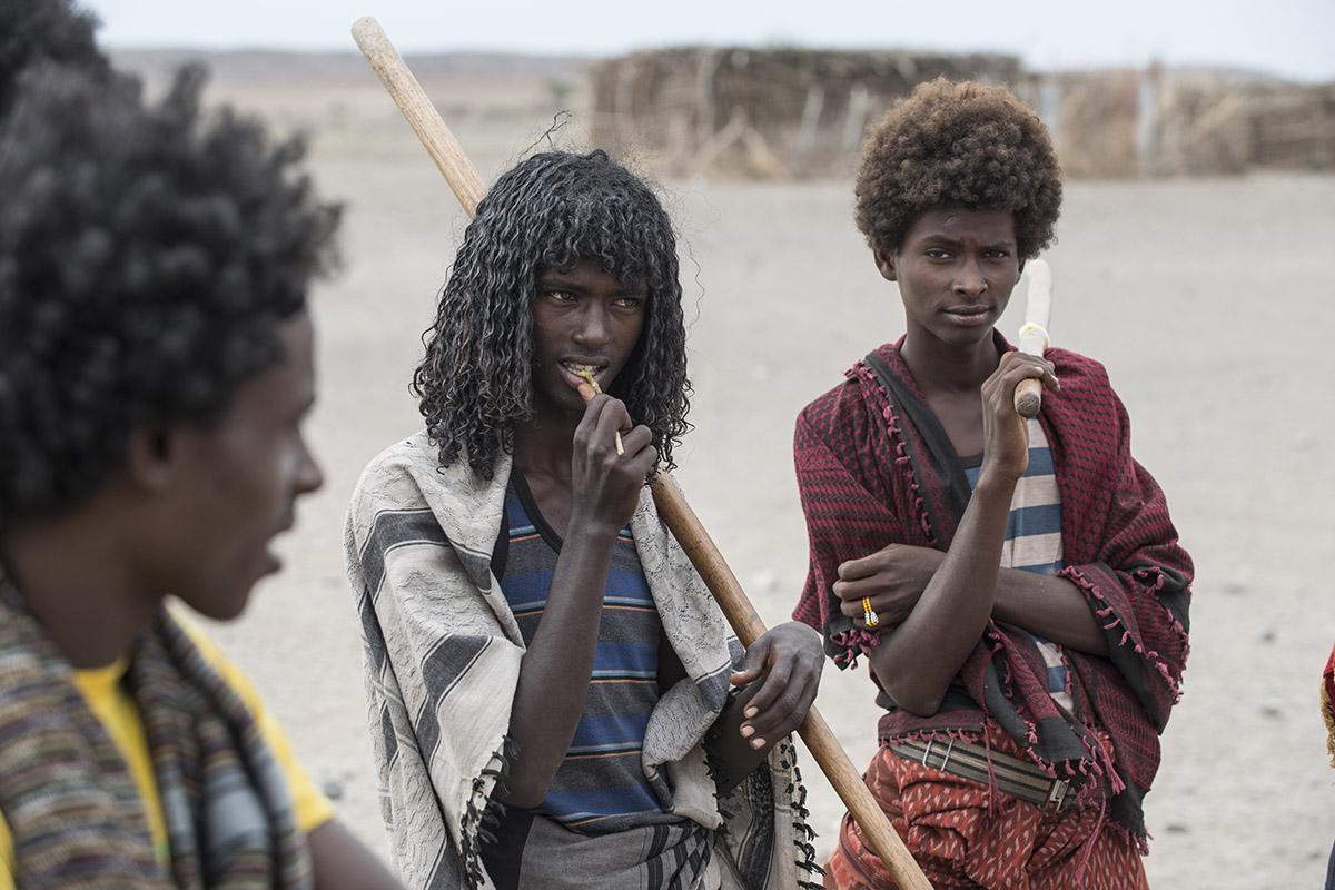 Stolze junge Männer vom Volk der Afar
