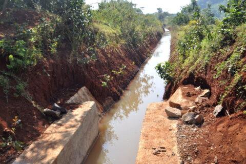Bewässerungskanal in Seka