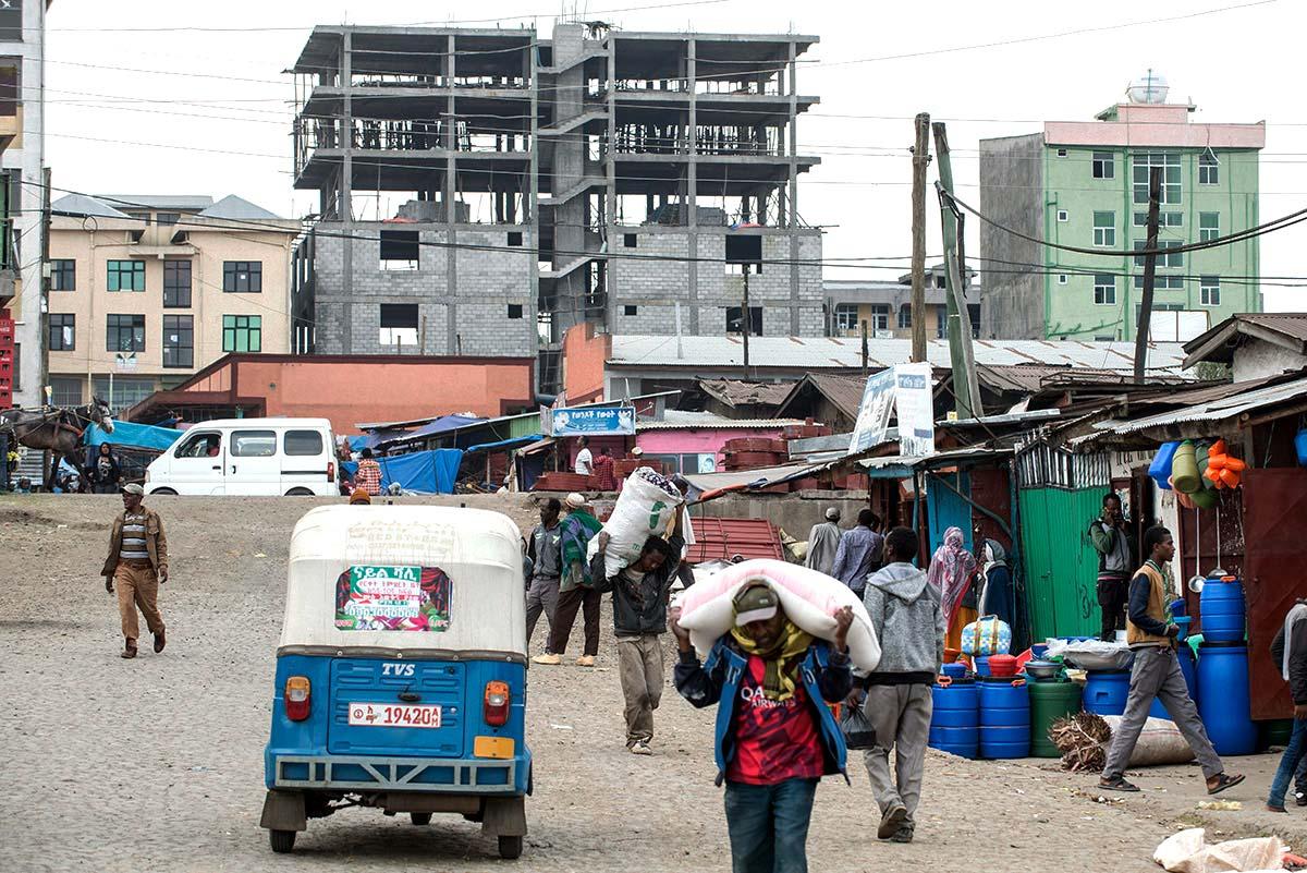 Nicht alle kommen freiwillig in die Stadt. Unter den Neubürgern sind auch Flüchtlinge