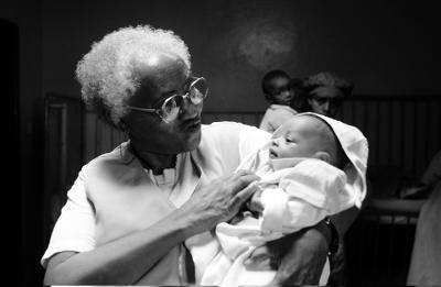 Abebech Gobena mit Baby im Arm