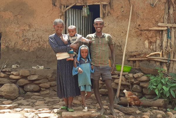 Glückliche Bauernfamilie