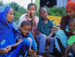 Erschöpfte Flüchtlingsfamilie